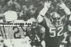 Houston Cougars beat Texas A&M Aggies 1976